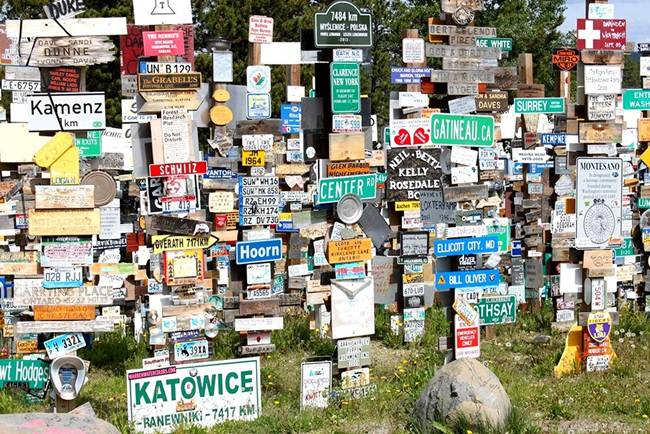 Sign-Post-Forest-of-Watson-Lake-Canada-Gudsol-009