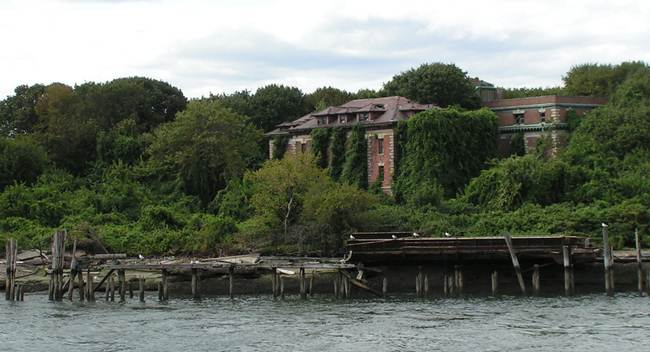 09_The-mysterious-New-York-Island