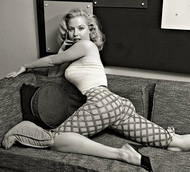 Betty Brosmer — The Narrowest Waist And The Coveted Hollywood Woman Of 50's
