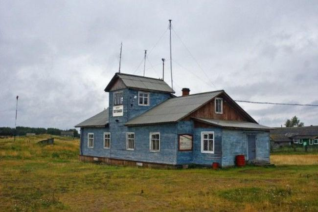 Operating-Airports-of-Russia-in-Wooden-Huts-gudsol-003