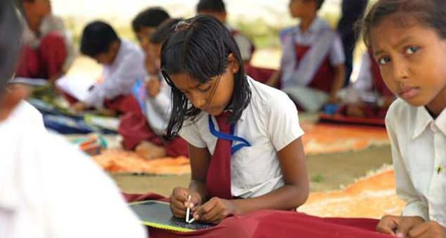 The only ambidextrous school in India where children write with both hands
