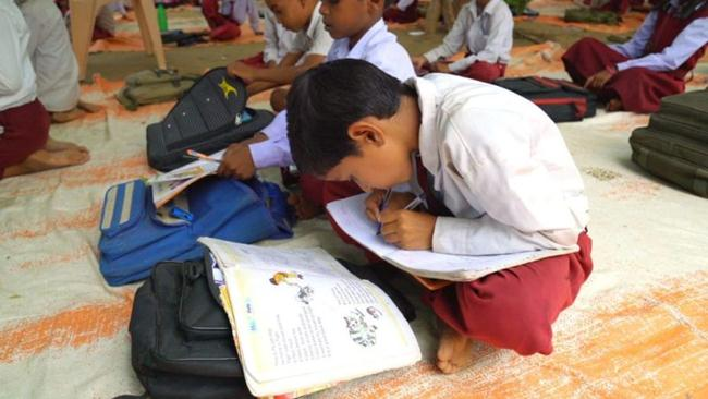 The-only-ambidextrous-school-in-India-where-children-write-with-both-hands-gudsol-005