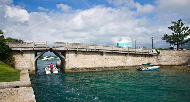 Somerset Bridge | The World's Smallest Drawbridge, Bermuda