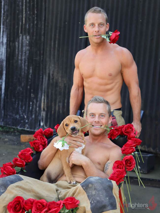 australian_firefighters_with_animals_for_the_calendar_for_2019-034