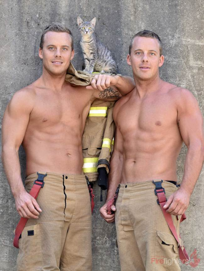 australian_firefighters_with_animals_for_the_calendar_for_2019-045