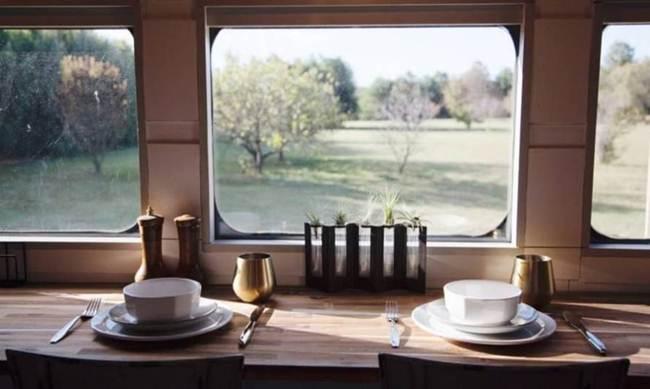 historic_train_wagon_became_home-005