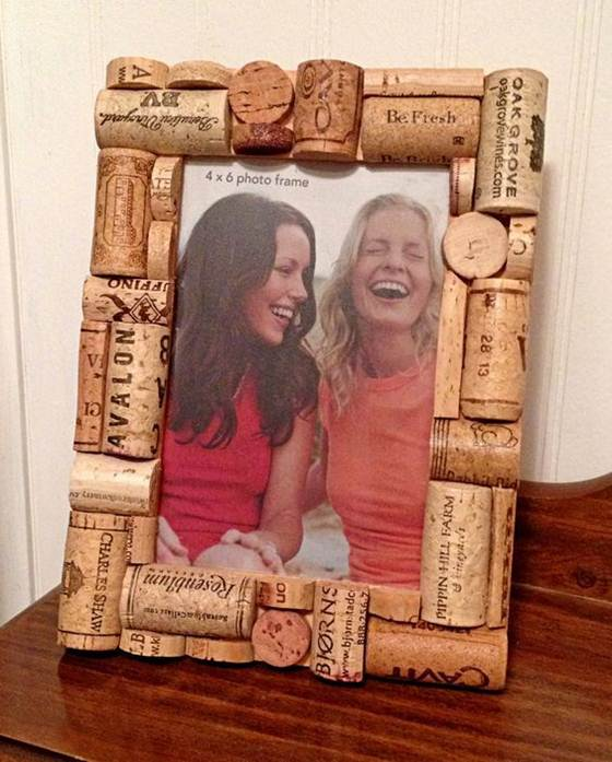Wine_cork_crafts_and_Wine_cork_table-010