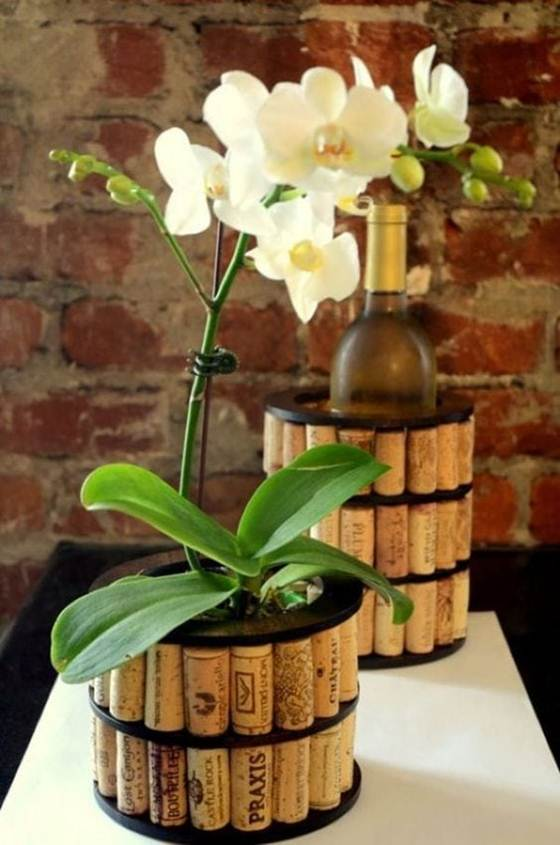 Wine_cork_crafts_and_Wine_cork_table-011
