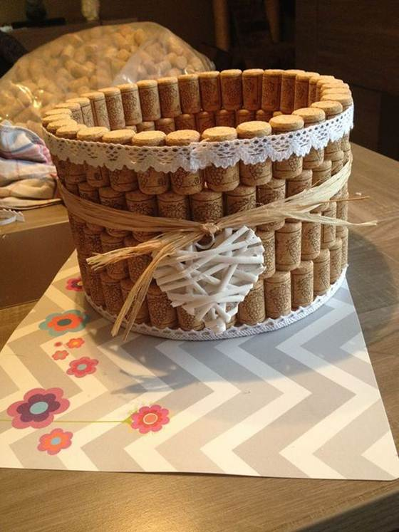 Wine_cork_crafts_and_Wine_cork_table-013
