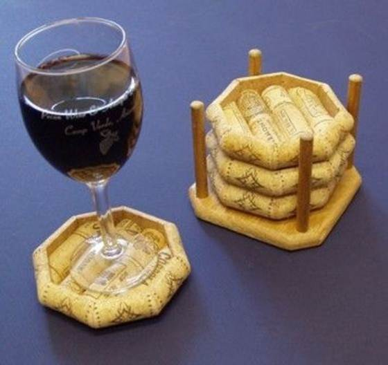 Wine_cork_crafts_and_Wine_cork_table-017