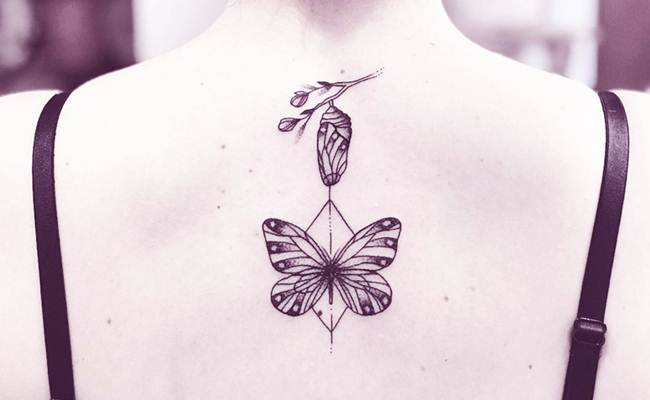 20 ideas for you to fall in love with these Female back tattoo