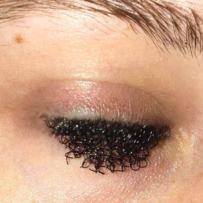 Curly-eyelashes-A-new-trend-in-makeup-by-Sophie-Petersen_002
