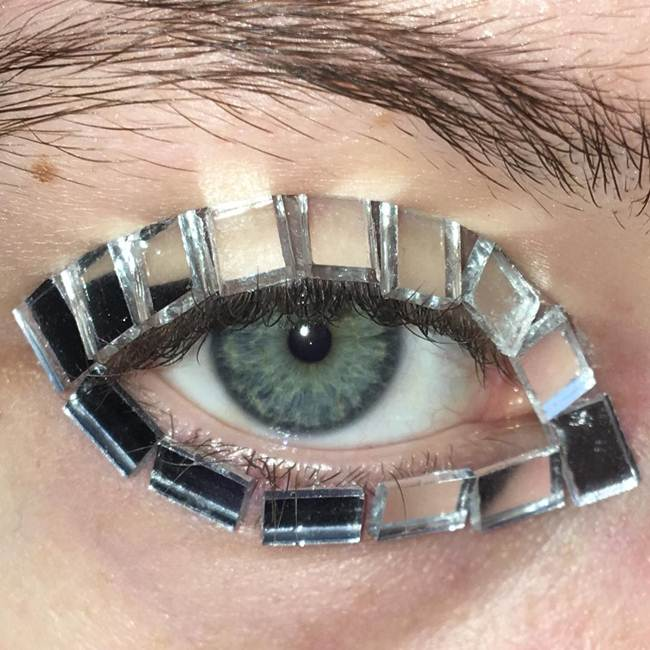 Curly-eyelashes-A-new-trend-in-makeup-by-Sophie-Petersen_005