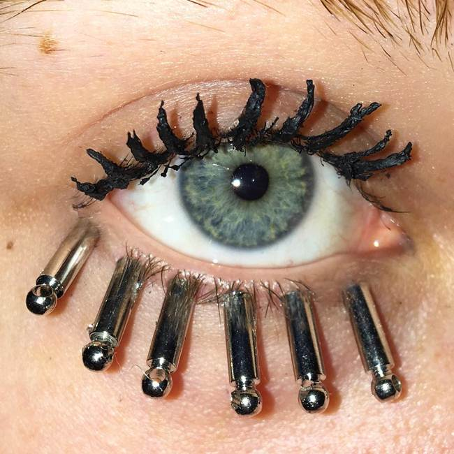 Curly-eyelashes-A-new-trend-in-makeup-by-Sophie-Petersen_009