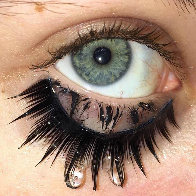 Curly-eyelashes-A-new-trend-in-makeup-by-Sophie-Petersen_012