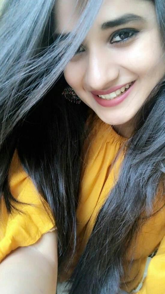 Indian-Desi-girls-Selfie-005