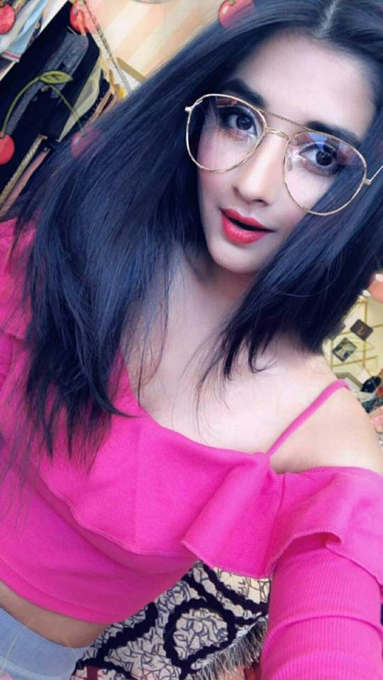 Indian-Desi-girls-Selfie-008