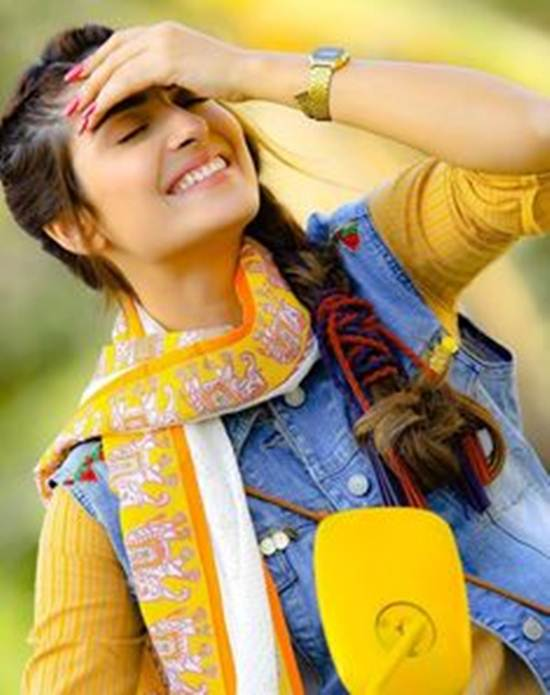 Indian-Desi-girls-Selfie-011
