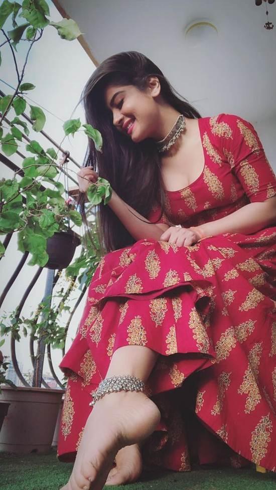 Indian-Desi-girls-Selfie-012