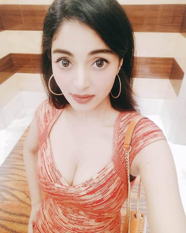 Sanam_Shetty-_South_India_Hot_Actress-007