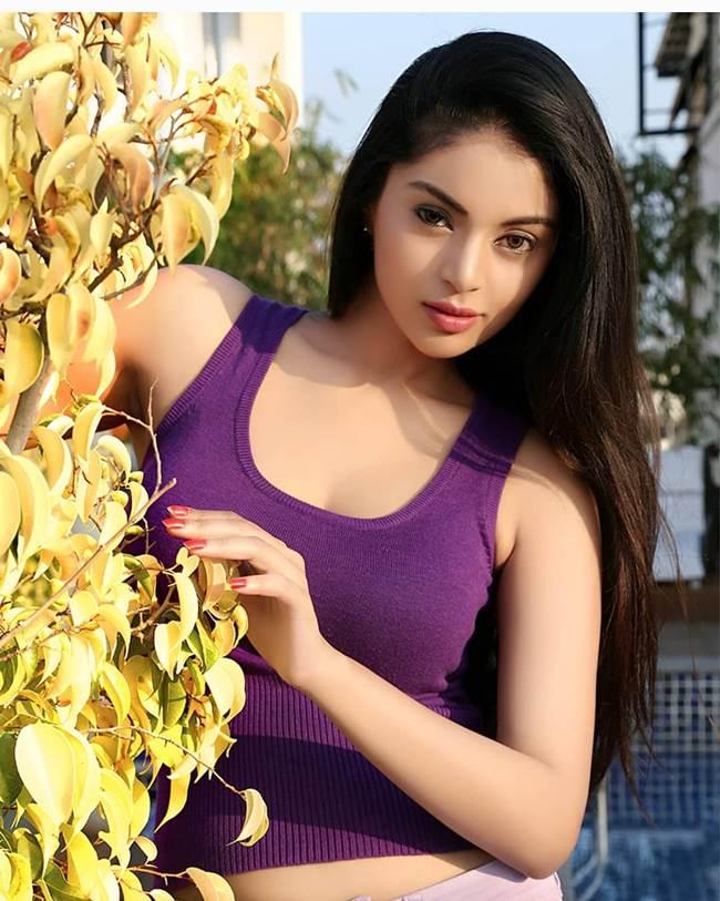 Sanam_Shetty-_South_India_Hot_Actress-011