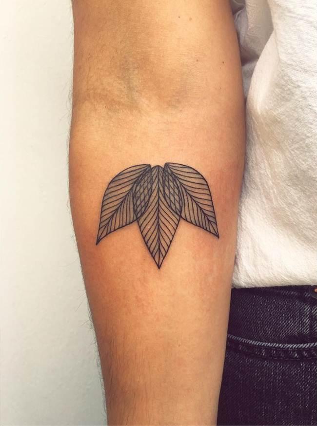 Special-One-line-tiny-tattoo-007